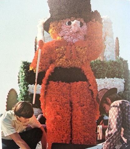 An elaborate float from the 1972 parade. Picture courtesy of Pinnacle, Glenbard West's yearbook.