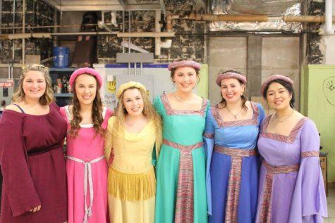 The ladies in waiting! ( Maggie Rohrer, Kaitlyn McDonald, Sarah Kitslaar, Avery Scott, Madeline Abel, Brianna Hryhorysak)