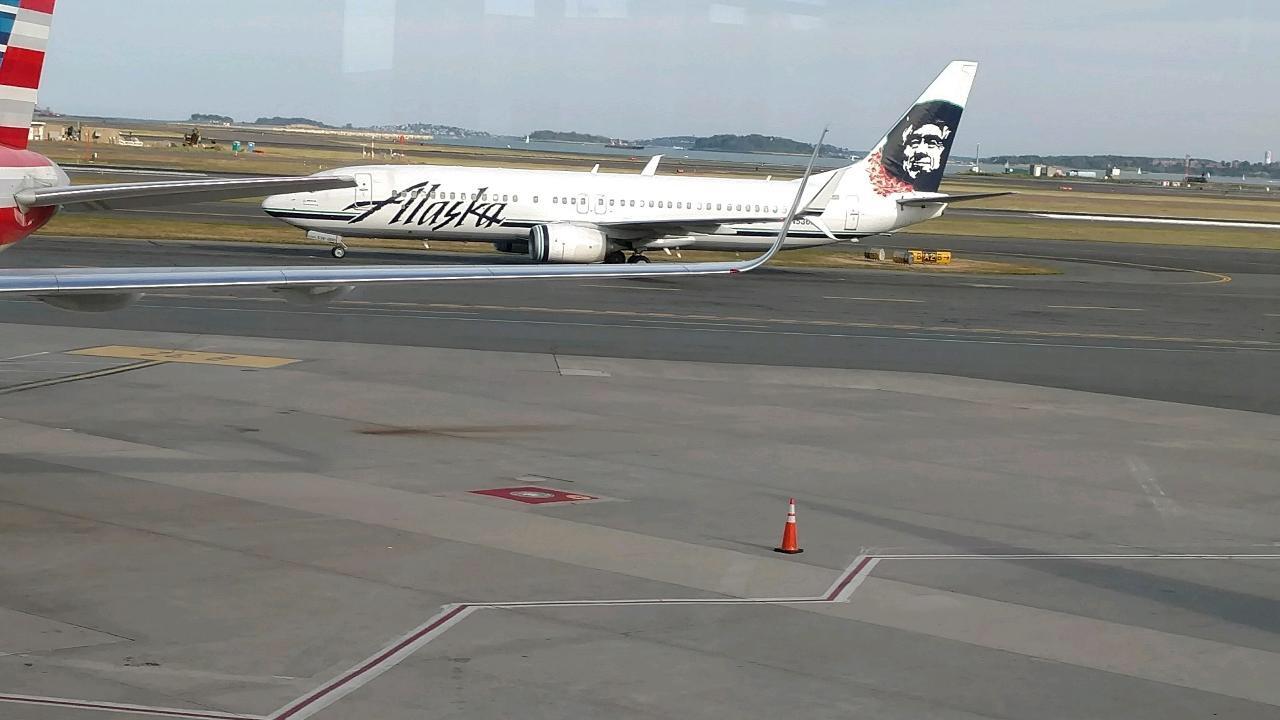 Alaska+Airlines+Boeing+737+at+Boston+Logan+Intl+airport.