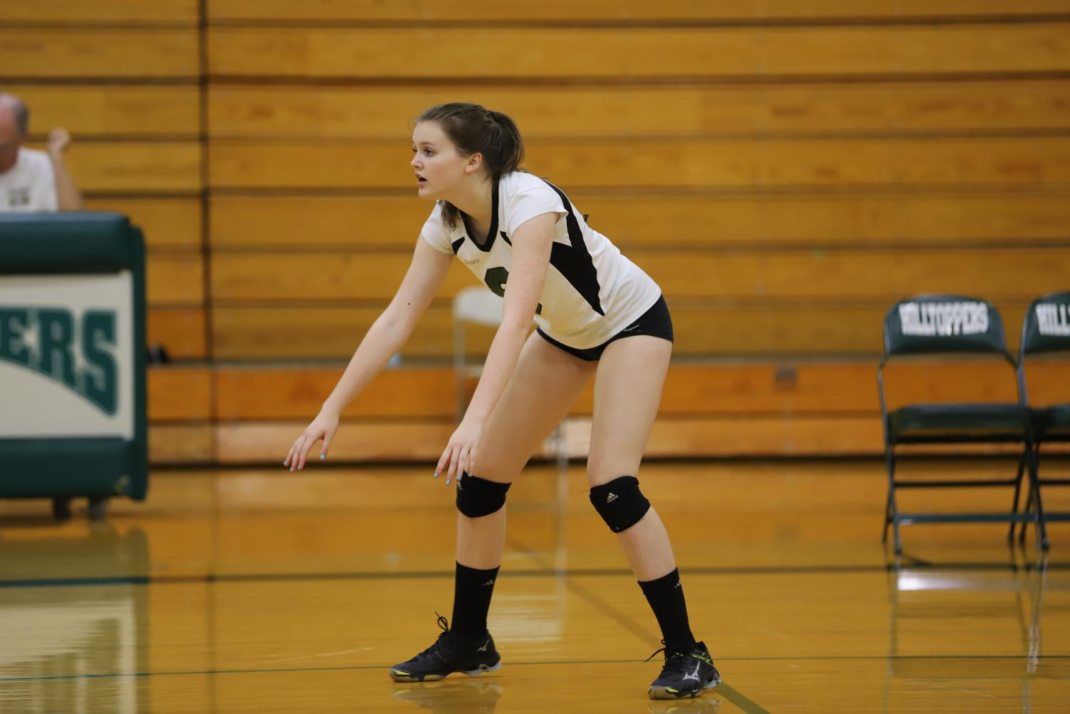 Fiona+Kelly+%28sophomore%29+defensively+anticipates+the+ball.%0A
