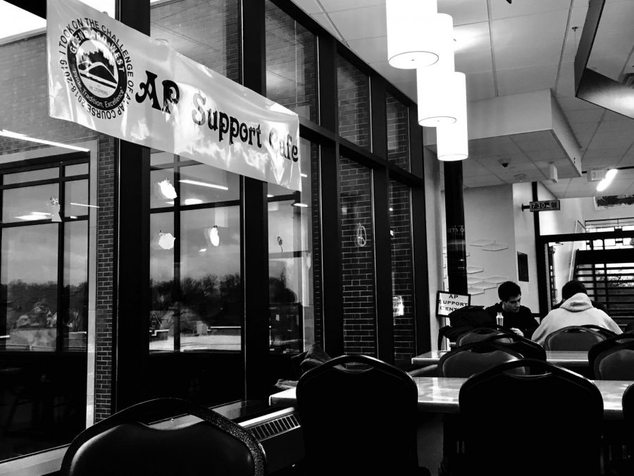 The AP Resource Study Center (or Support Cafe) is open to all AP students, Monday-Friday during all lunch periods on the 3rd floor bridge.