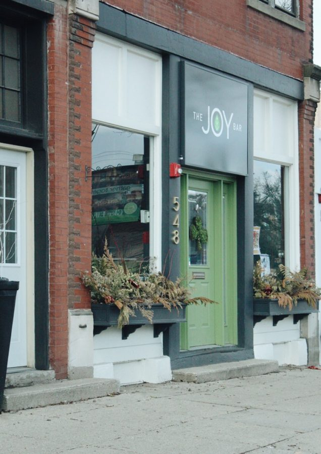 A recent addition to the plethora of shops that line Crescent Boulevard, as of 2018, The Joy Bar is a smoothie cafe run by Glen Ellyn locals. Adorned with a bright green colored logo and exterior, the Joy Bar has offered a unique flair to the beloved downtown scene.