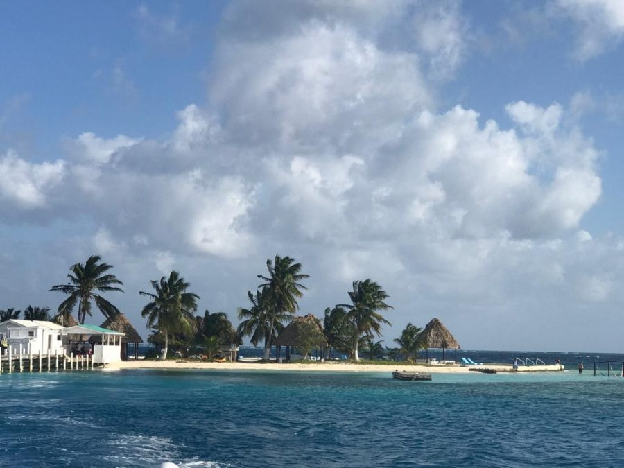 Right+side+of+private+island.++Photo+by+Aditi+Vinay.